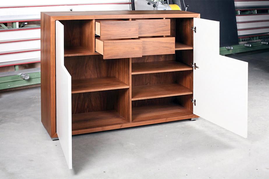 highboard nussbaum royek. Black Bedroom Furniture Sets. Home Design Ideas